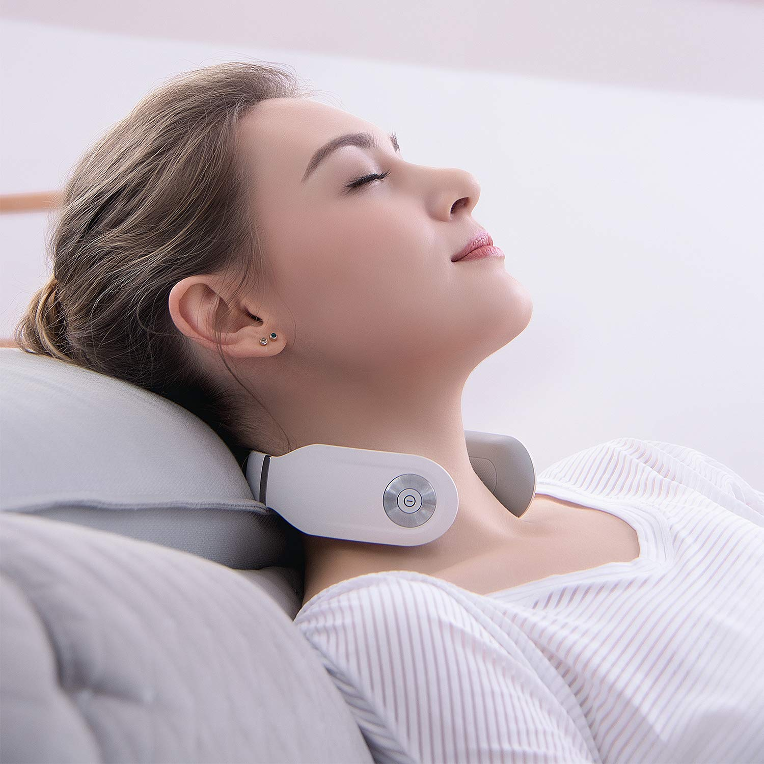 SKG Smart Wireless Neck Massager