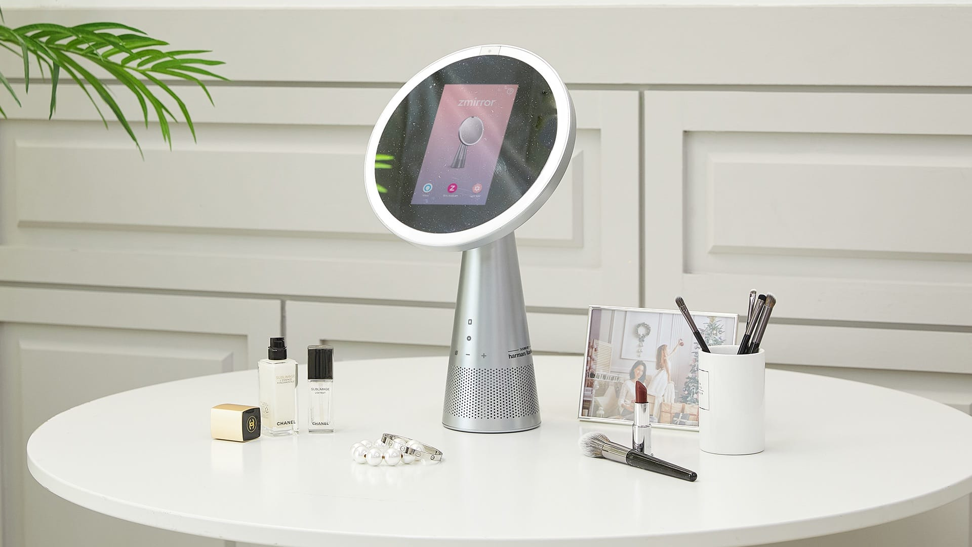 Zmirror: All-in-1 Smart Mirror & Personal Assistant